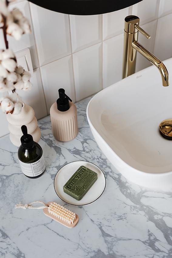 Arabascato Cervaiole Bathroom Top