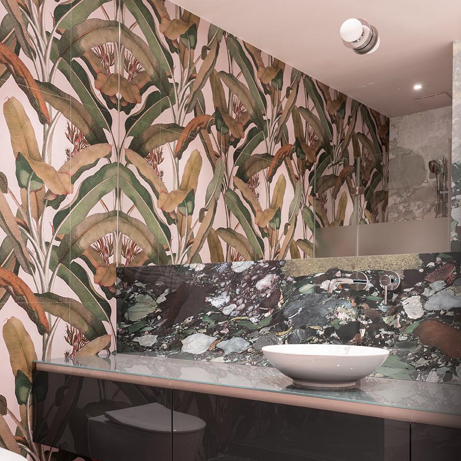 Opera D\'arte Print Mix Bathroom