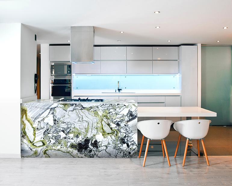 White Beauty Polished Kitchen Island